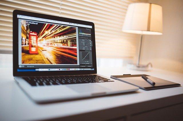 Come scontornare una foto con Photoshop: una semplice guida