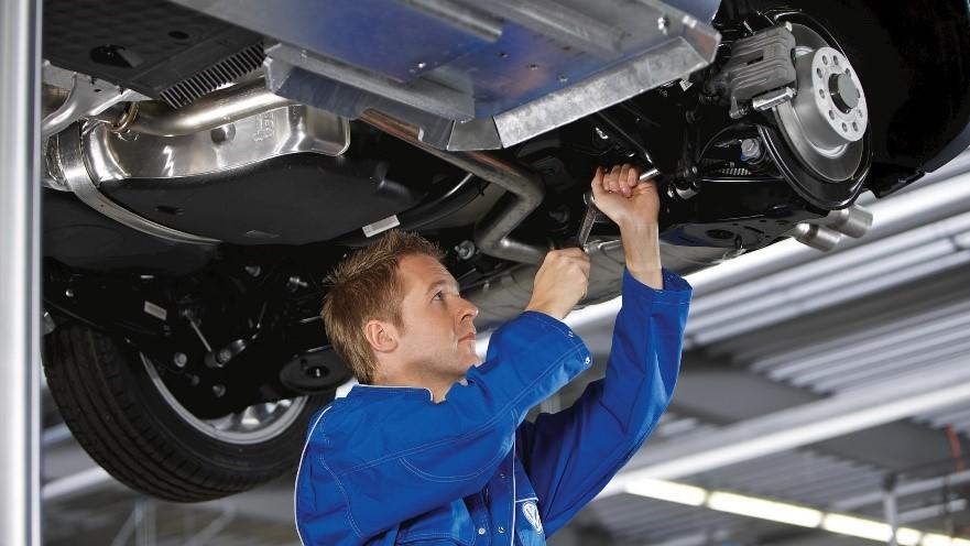 Manutenzione periodica auto: ecco come prendercene cura