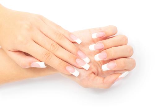 Mani perfette con gli smalti semipermanenti